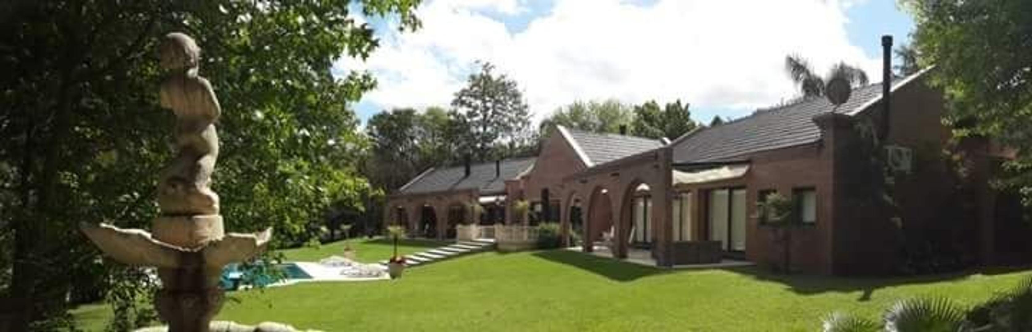 Casa en venta Pilar Imponente residencia ÚNICA por sus finos detalles de categoría