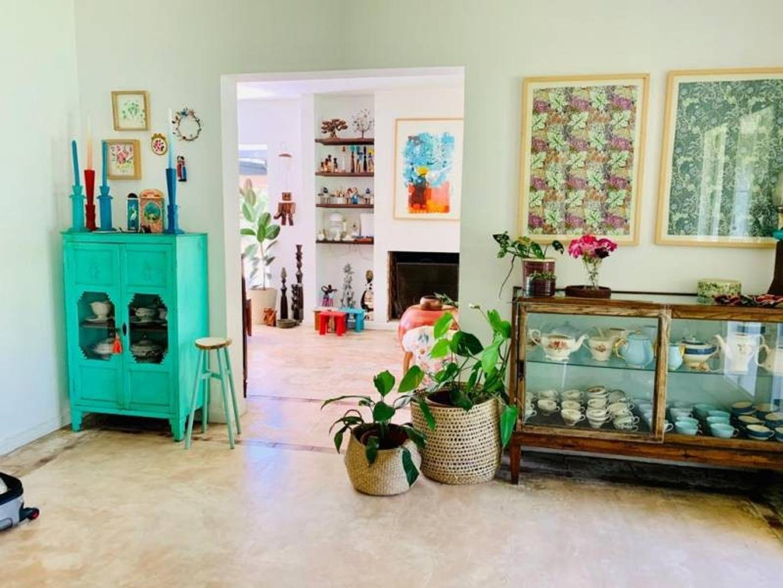 Casa en Los Ceibos con 4 habitaciones