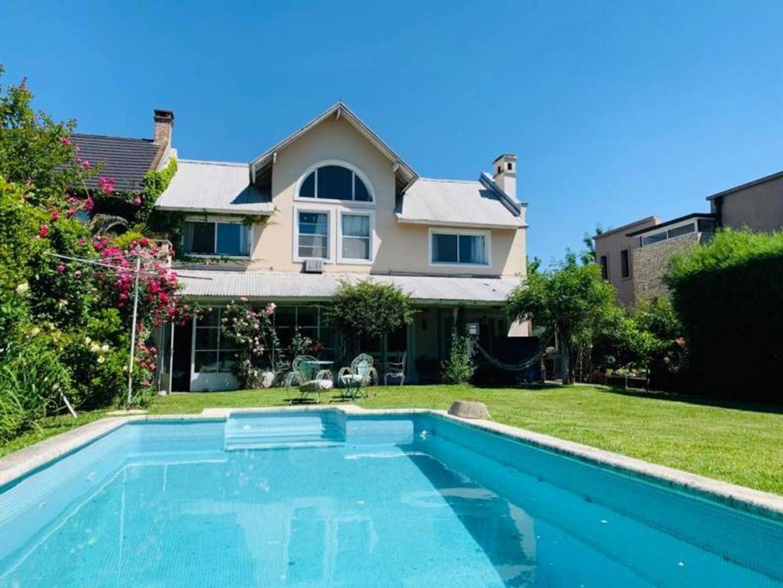 Casa en Venta - USD 435.000