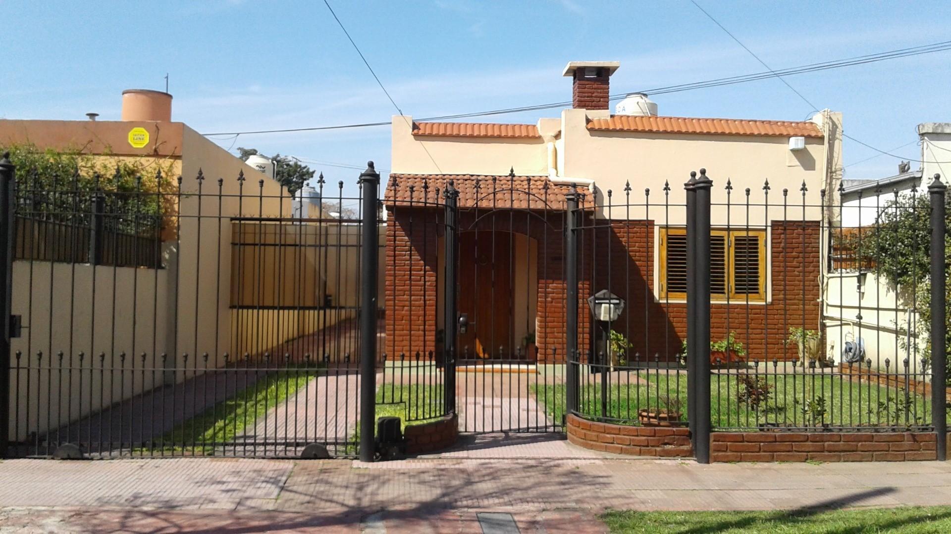 Casa en Venta en Jose Marmol - 4 ambientes