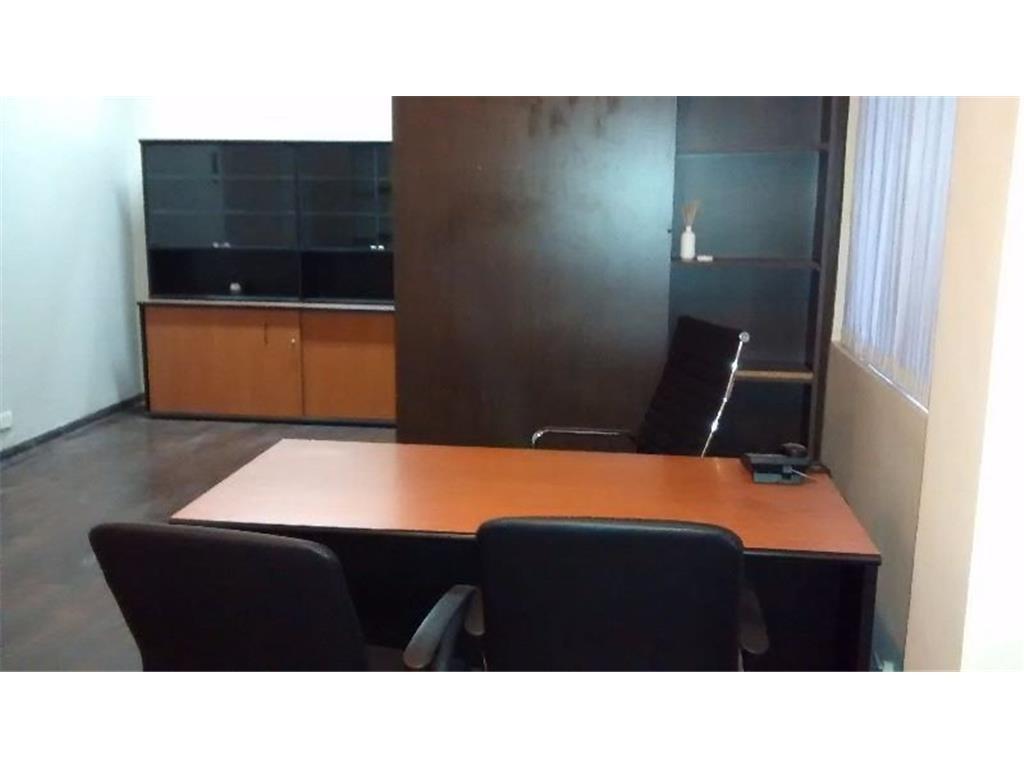 Excelente Oficina en Edificio Pini - Av. Diagonal Norte