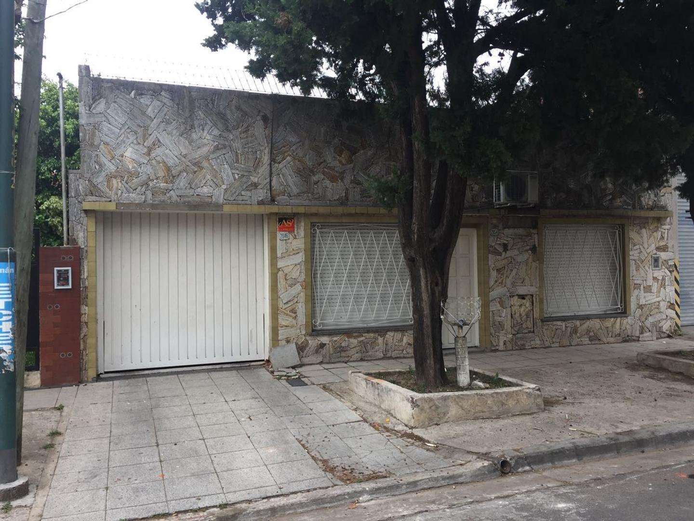 Casa de cuatro ambientes en villa maipu