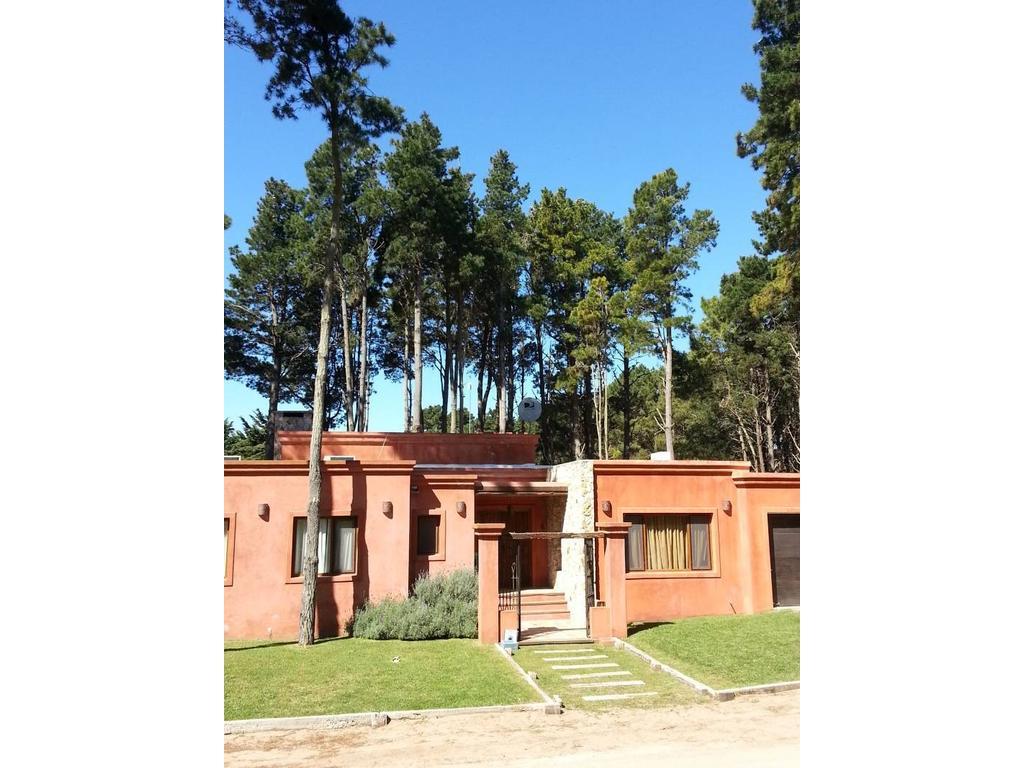 Gran casa en venta en Costa Esmeralda, proxima a Pinamar