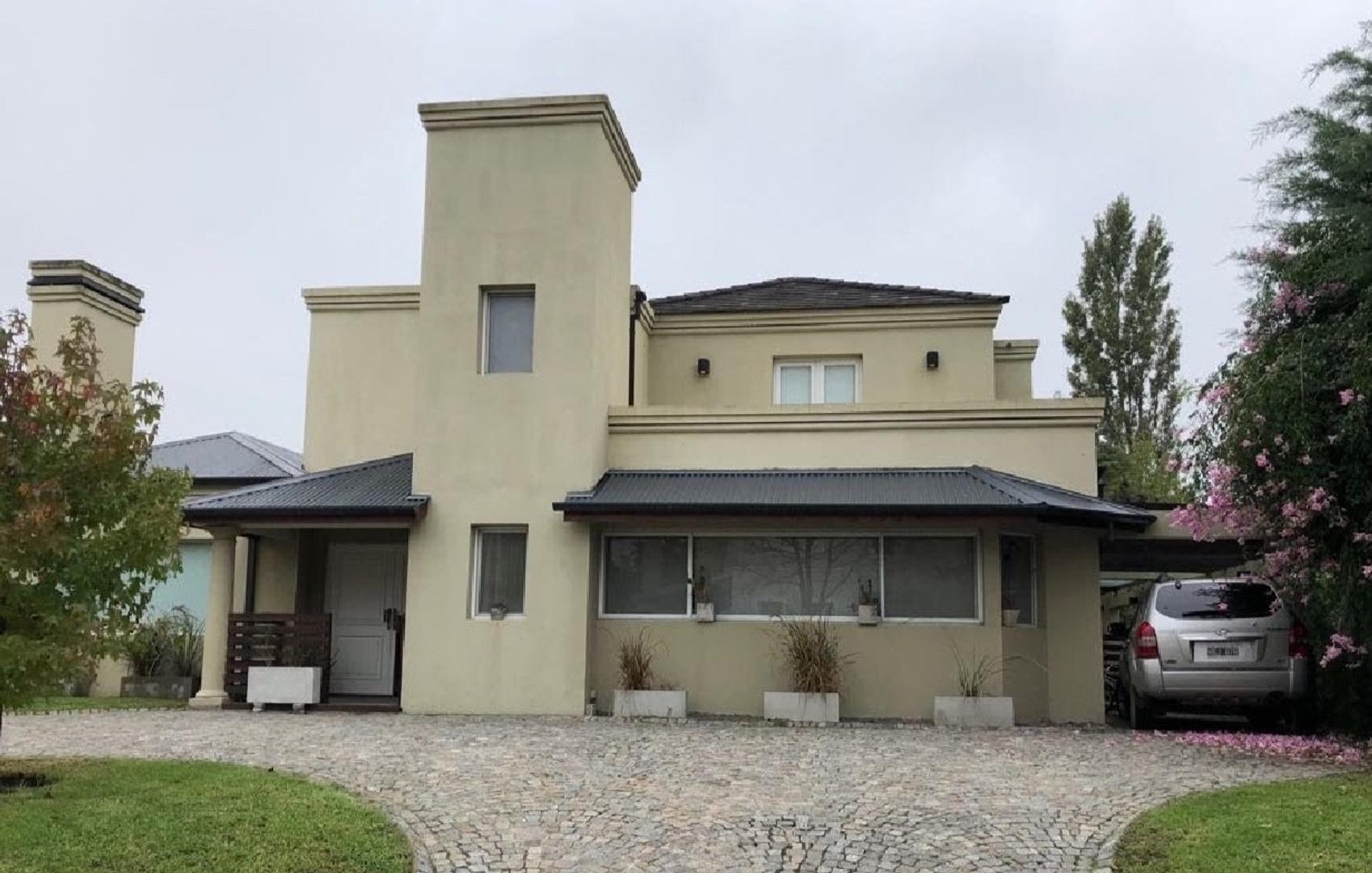 Casa en Venta en Septiembre - 6 ambientes
