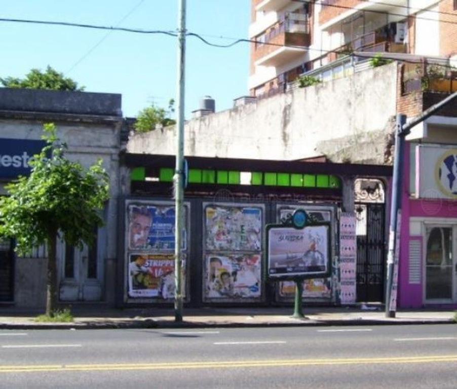 OPORTUNIDAD INVERSOR! Lote en excelente ubicación- Av. Rivadavia- FOT Libre- 7.8x34.74