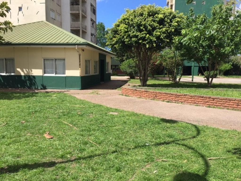 Depto. 3 ambientes - Complejo de Edificios frente al Q.A.C. - Av. Vicente Lopez esq. Andrade, Q. O.