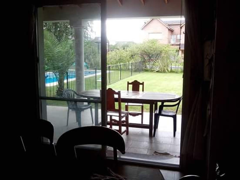 Casa - 252 m² | 4 dormitorios | 5 baños