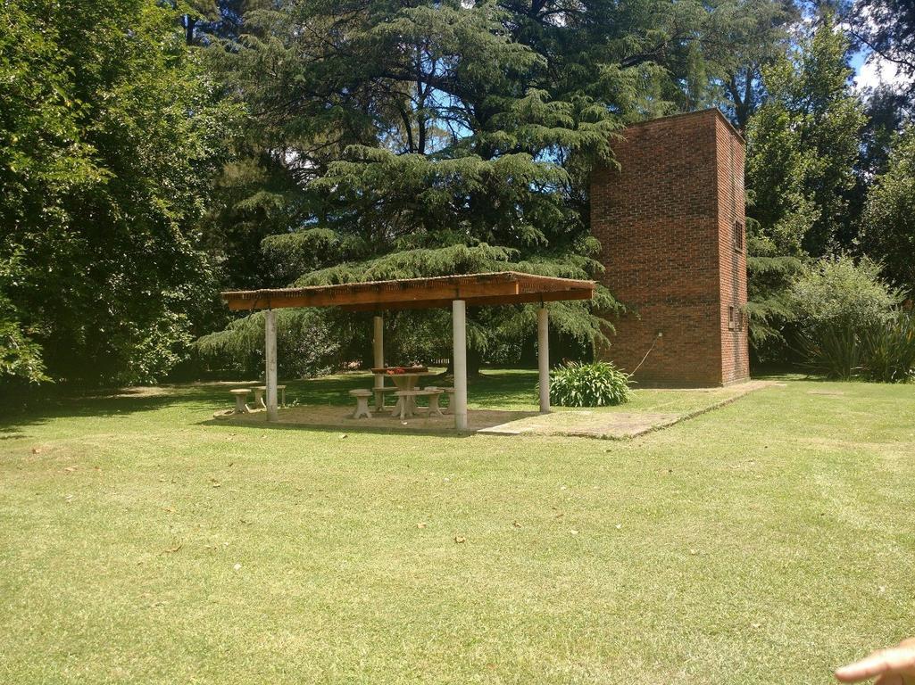 Quinta sobre dos lotes de más de 4000 m2, esquina, Barrio El Ensueño, Moreno
