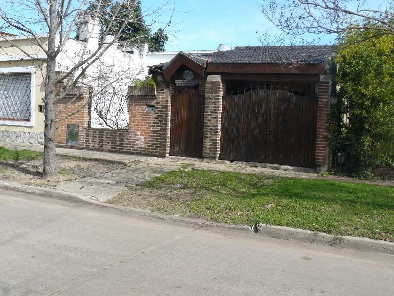 Casa en Ituzaingó, Ituzaingó, Buenos Aires USD 150000 - Medina 400 (Código: 486-267)