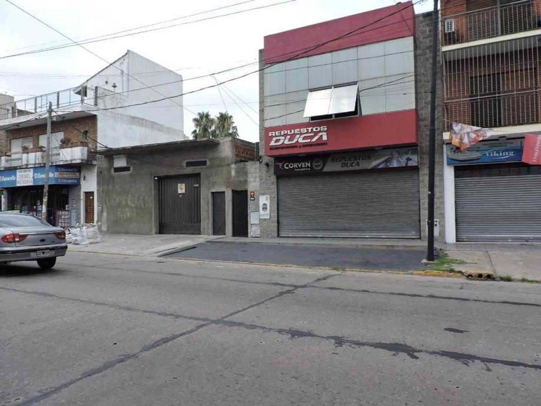 Departamento tipo casa de 48 m2 en venta en zona comerc. de Quilmes Oeste Centro
