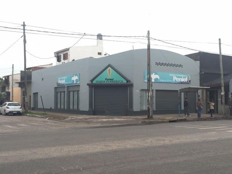 LOCAL Esquina en VENTA sobre la Avenida Pte. Perón al 2500 San Miguel
