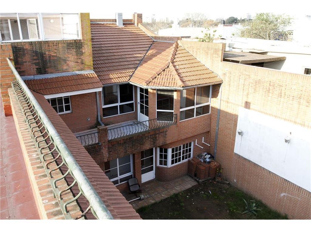 Excelente casa en Villa Ballester 7 habitaciones