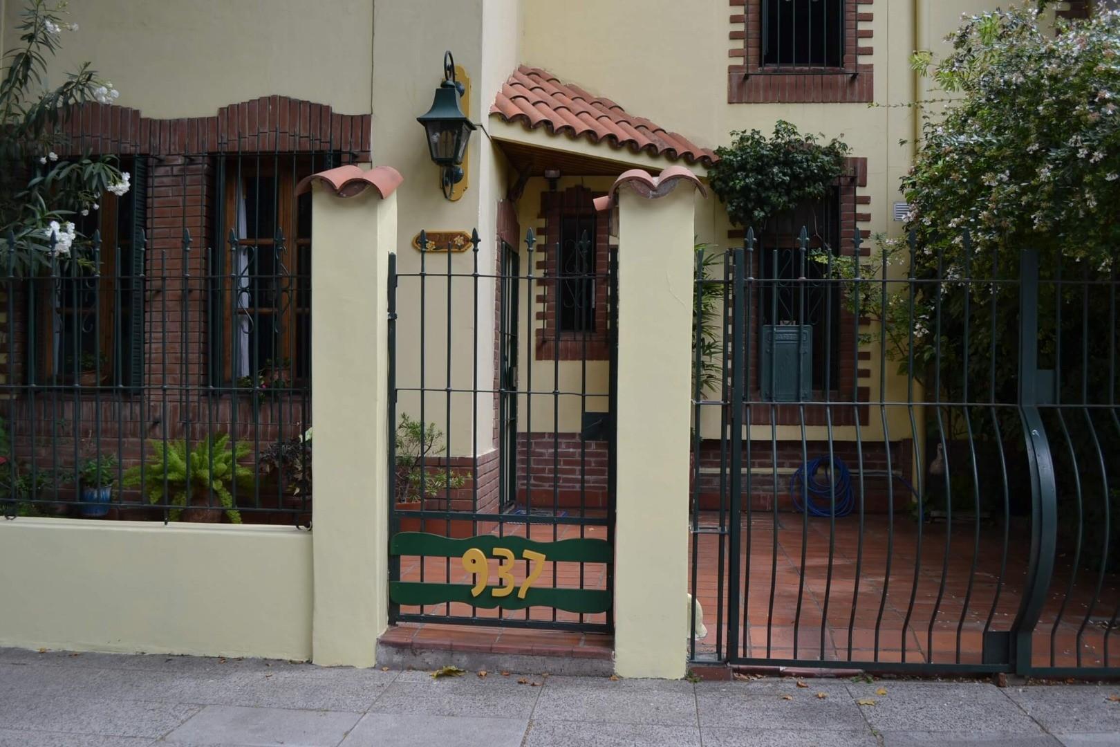 Rivera Indarte 900 - Excelente casa 4 ambientes
