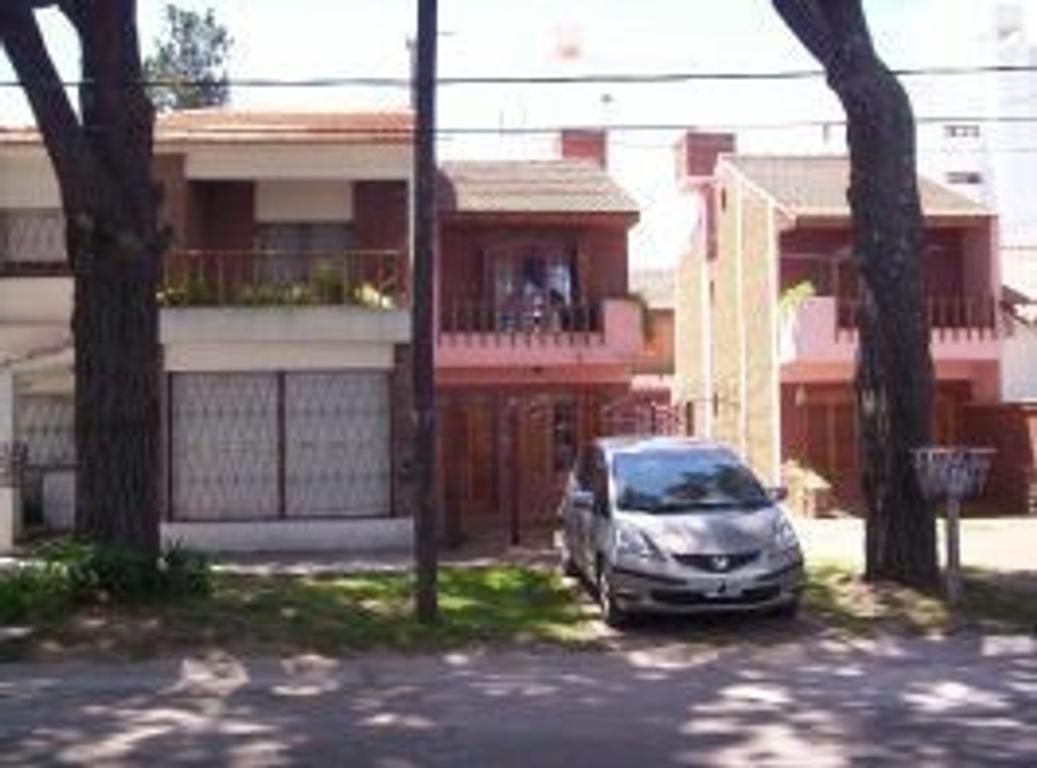 Alquilo Duplex 4 amb. a 300 mts. del mar Y 100 mts.de Av.San Bernardo - Con cochera  -  ALQSB-0073