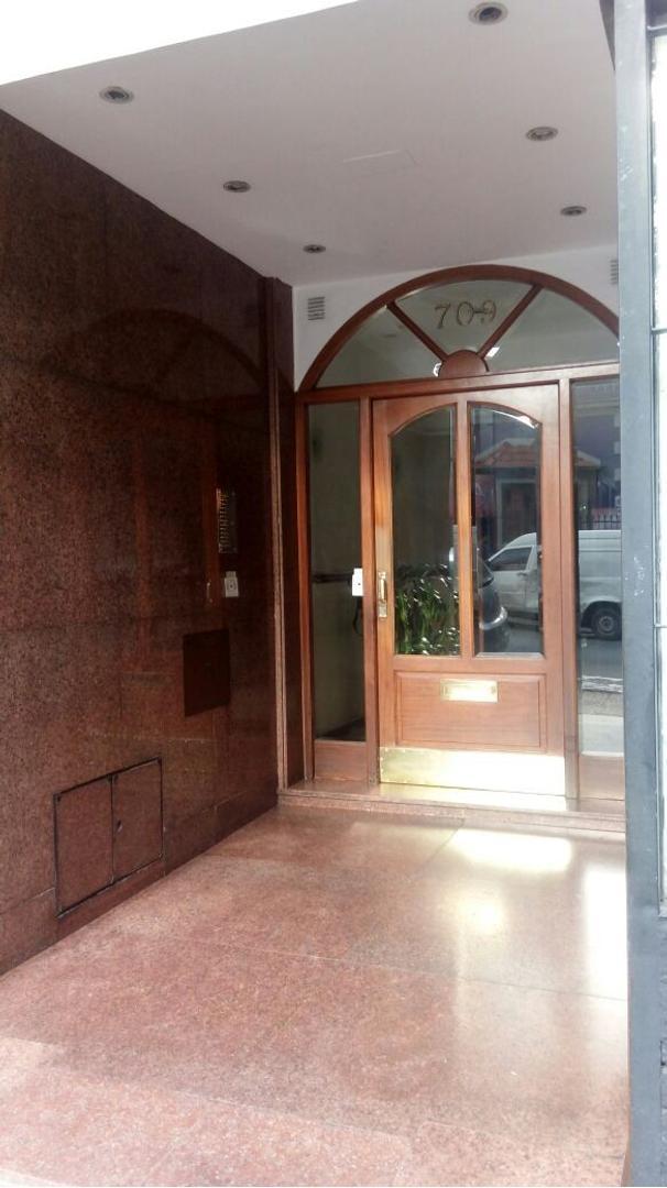 Excelente departamento en venta en el centro de Quilmes