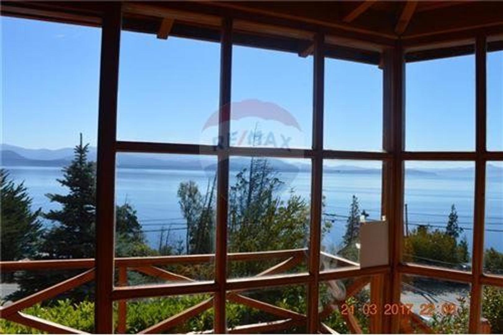 Casa en venta en Bariloche con vista al lago
