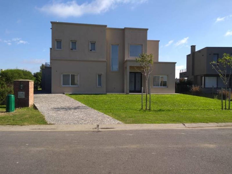 Casa en venta en barrio San Francisco  Villa Nueva Tigre