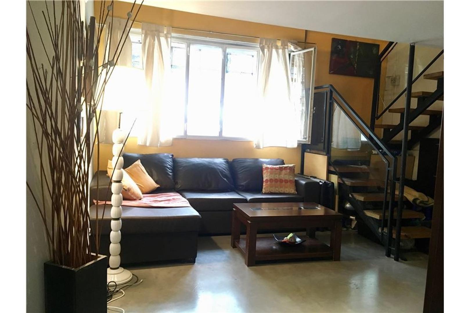 Ph 2 ambientes , con entrepisos y patio en Almagro