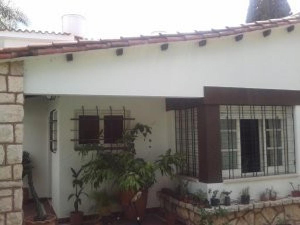 Casa en venta cordoba argenprop for Piscinas cordoba capital