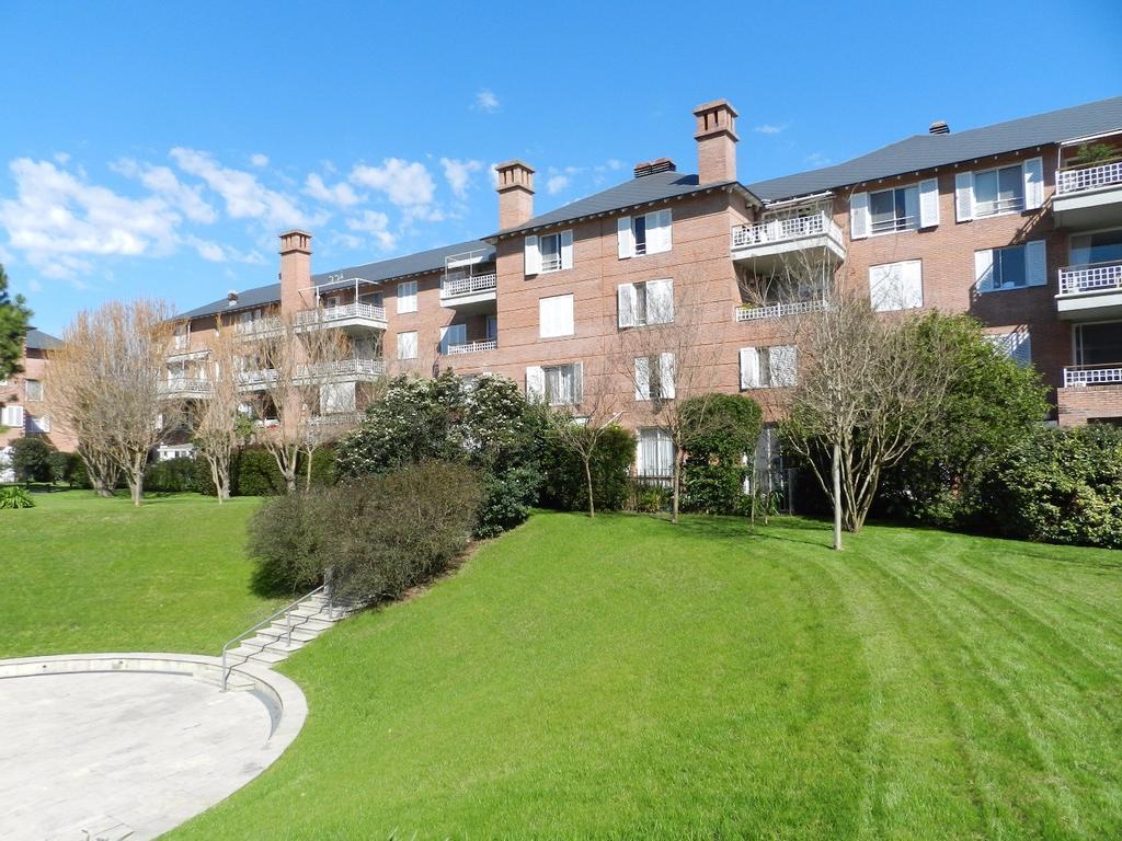 Departamento en alquiler en avellaneda 1607 jardines de for Jardines 6 san isidro