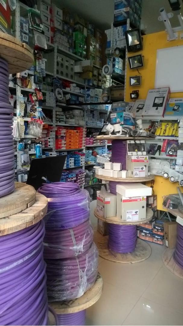FONDO de COMERCIO Venta mat. eléctricos, LEDs, cables, etc (VDO/PMTO) - Foto 12