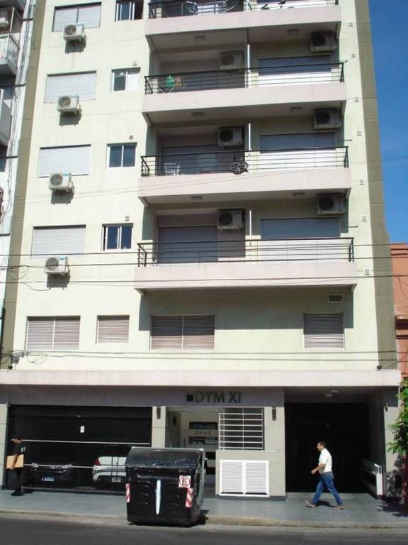 Departamento de 2 ambientes en zona residencial.