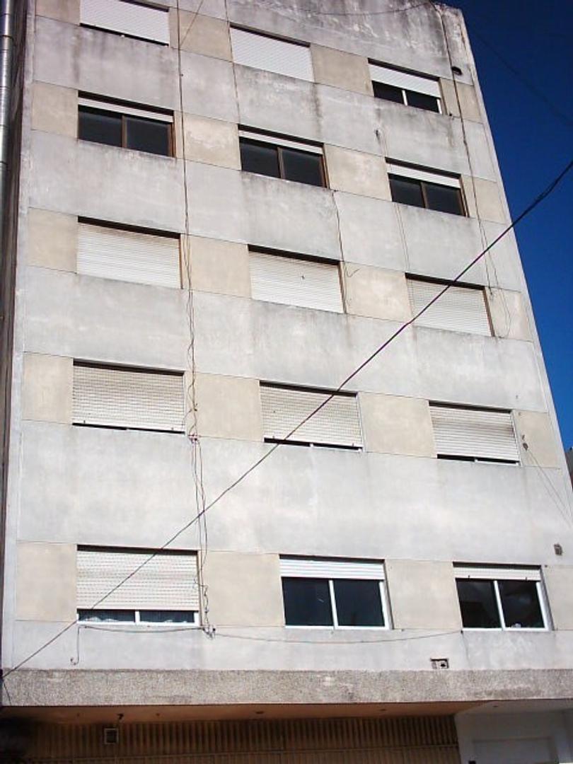 Departamento 3 amb - 100 mts estación - Venta o alquiler