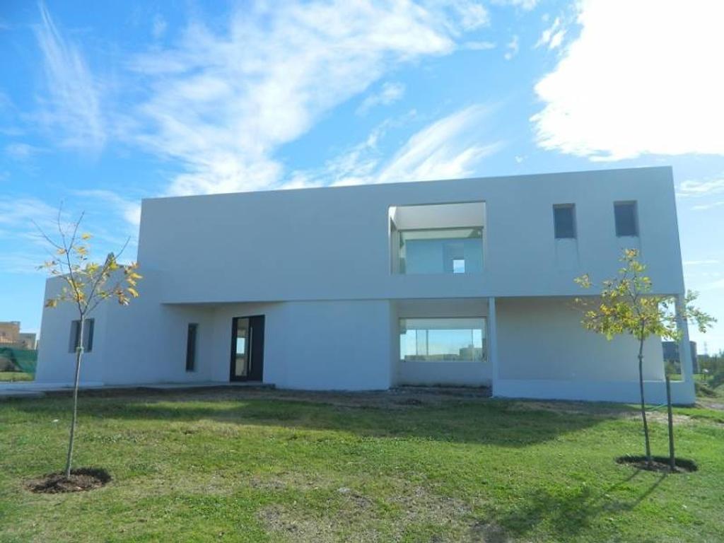 casa a la laguna a la venta en el barrio san Francisco , Villa Nueva Tigre