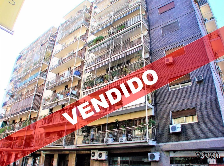 Chacabuco 1400 - Departamento 4 Ambientes 1/2 con Balcón