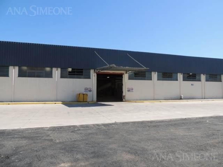 Nave Industrial de 1.000 m2 en Recinto Industrial Cerrado