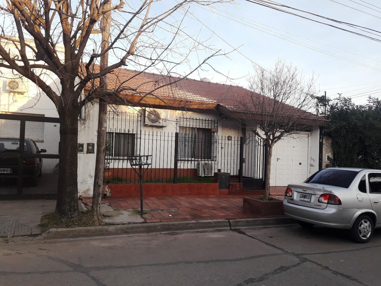 Casa en Venta en Moron Norte - 3 ambientes