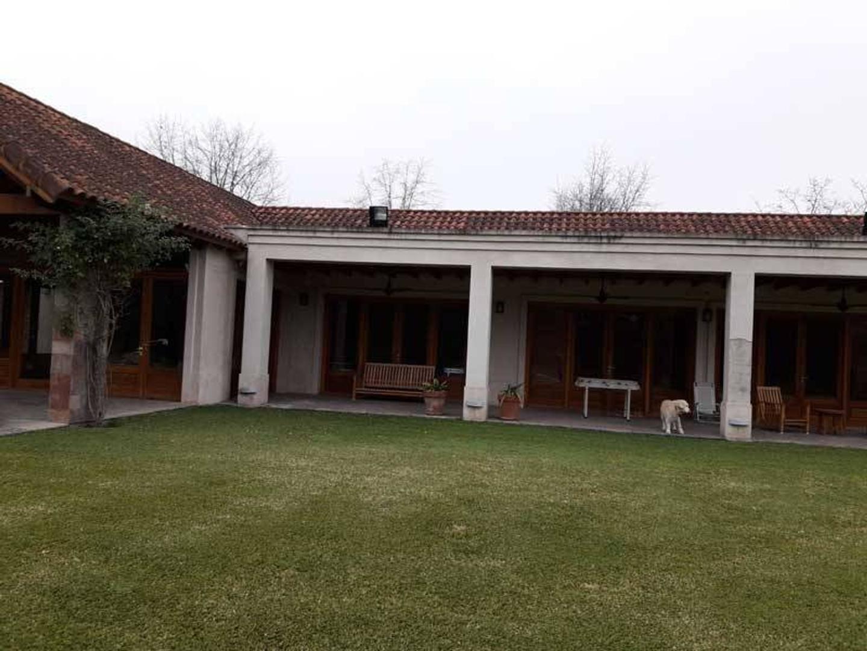 Venta de Espectacular casa en Altos del Pilar - Pilar