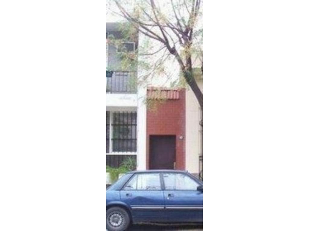 Regio PH Belgrano R. Conesa y Ugarte. PB 4 amb. 2 baños, patio. Reciclado a nuevo.