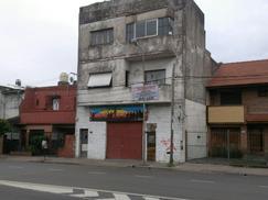 Colectora Gral Paz 400 y Lope de Vega. Local 150 mts. Villa Devoto/Raffo