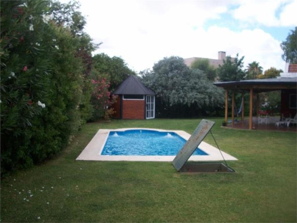 Casa en Campos de Echeverría FINANCIADA, con piscina!!!