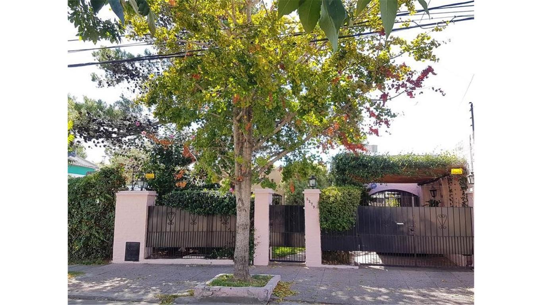 APTO CREDITO  Casa 4 Ambientes Amplios  Jardin  Piscina Buen Estado Prox.Av.Sucre