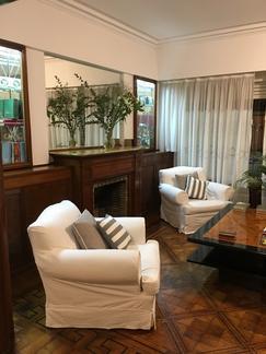 Dueño alquila, impecable, luminosa y acogedora casa en excelente ubicación .