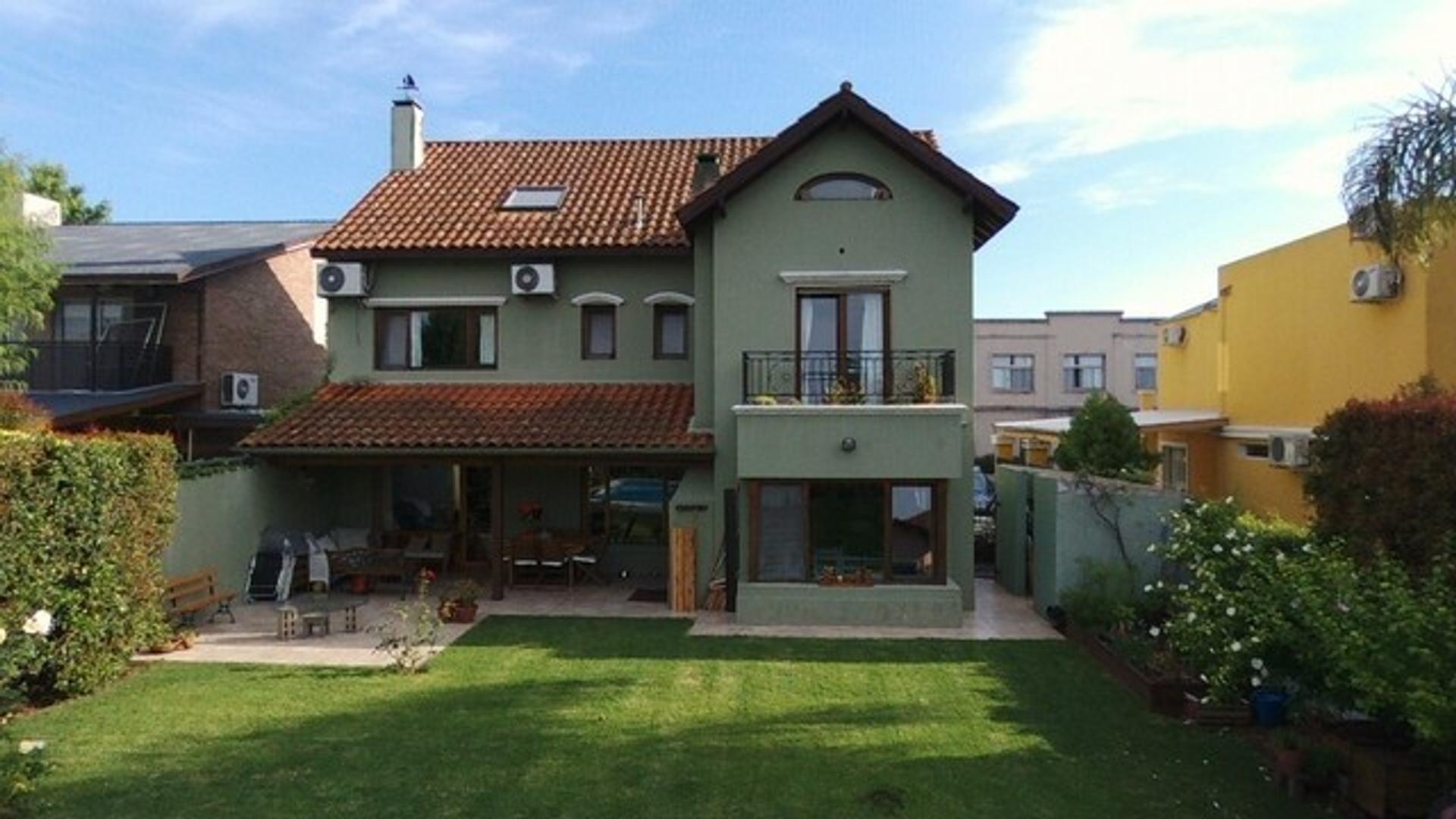 Casa en Venta - USD 480.000