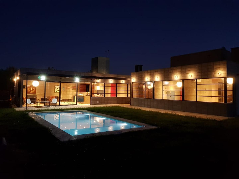 Casa en Venta en El Canton - 5 ambientes