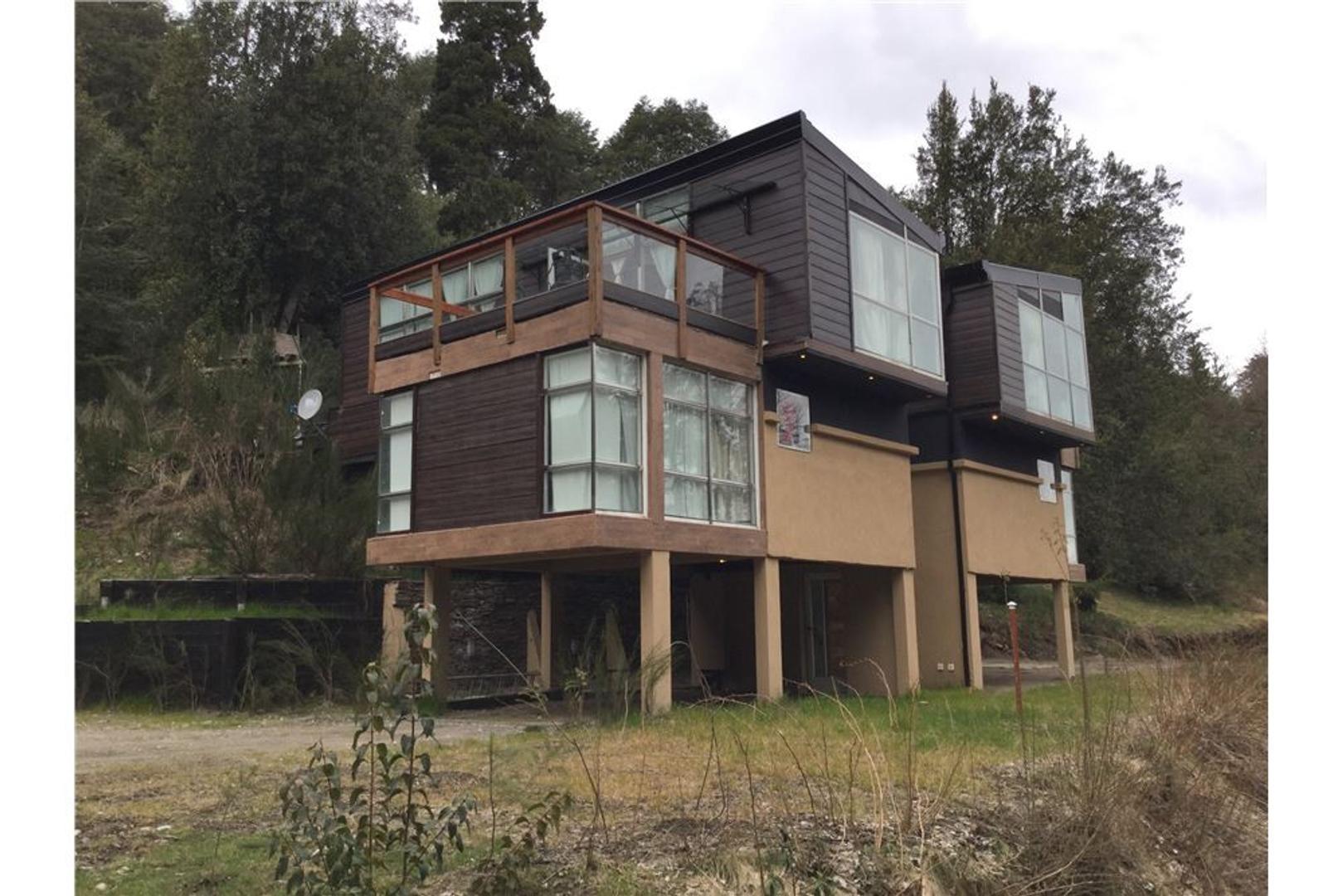 Hermosa propiedad en Villa la angostura