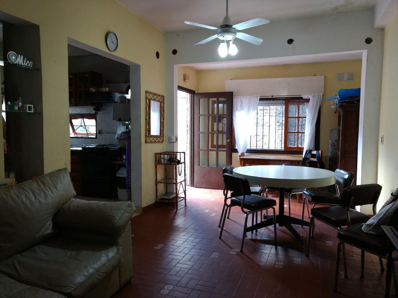 Vendo Departamento casa 4 Amb C/Garage Muy Buen