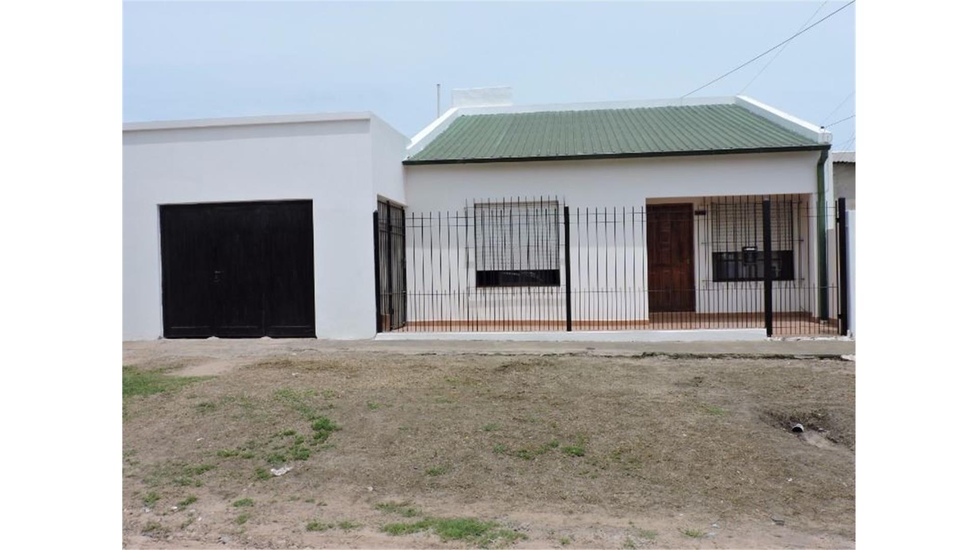 Casa en Concepción del Uruguay. 3 dormitorios, quincho y coc