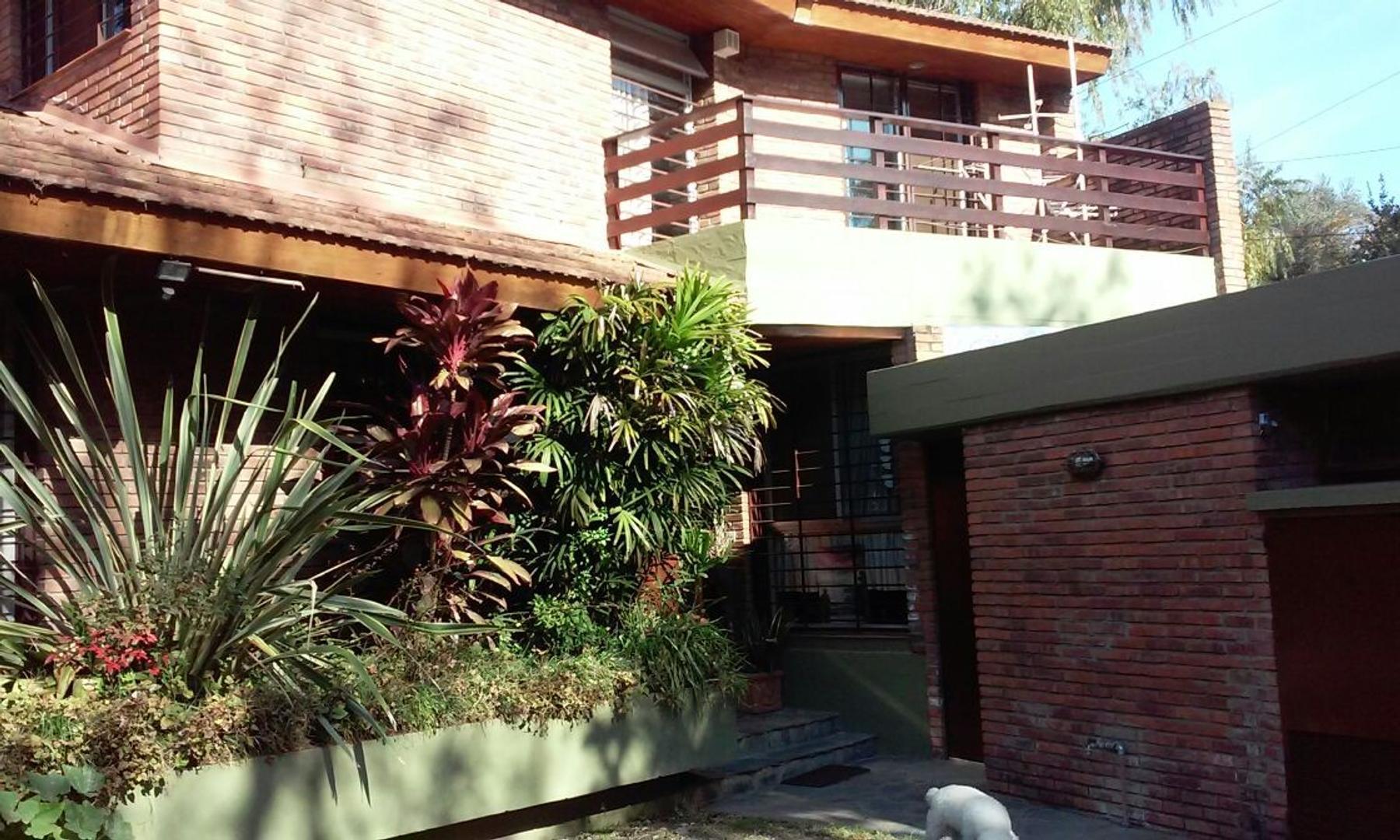 Hermosa casa en agradable y tranquilo entorno