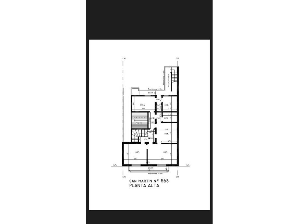 Hermoso piso antiguo para uso comercial 80 mtrs2