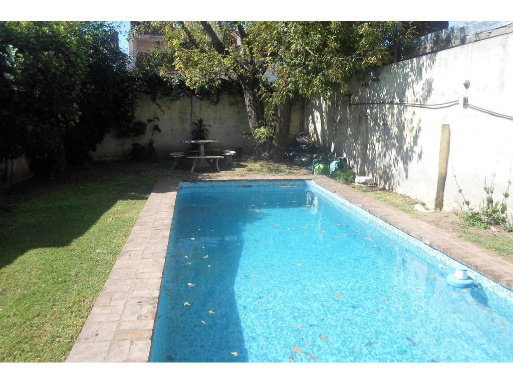 Casa - 5 Ambientes - Villa Adelina