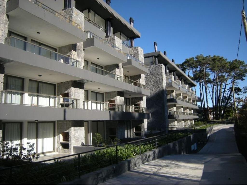 Altos de San Rafael: Venta impecable departamento de 3 ambientes en complejo Unique