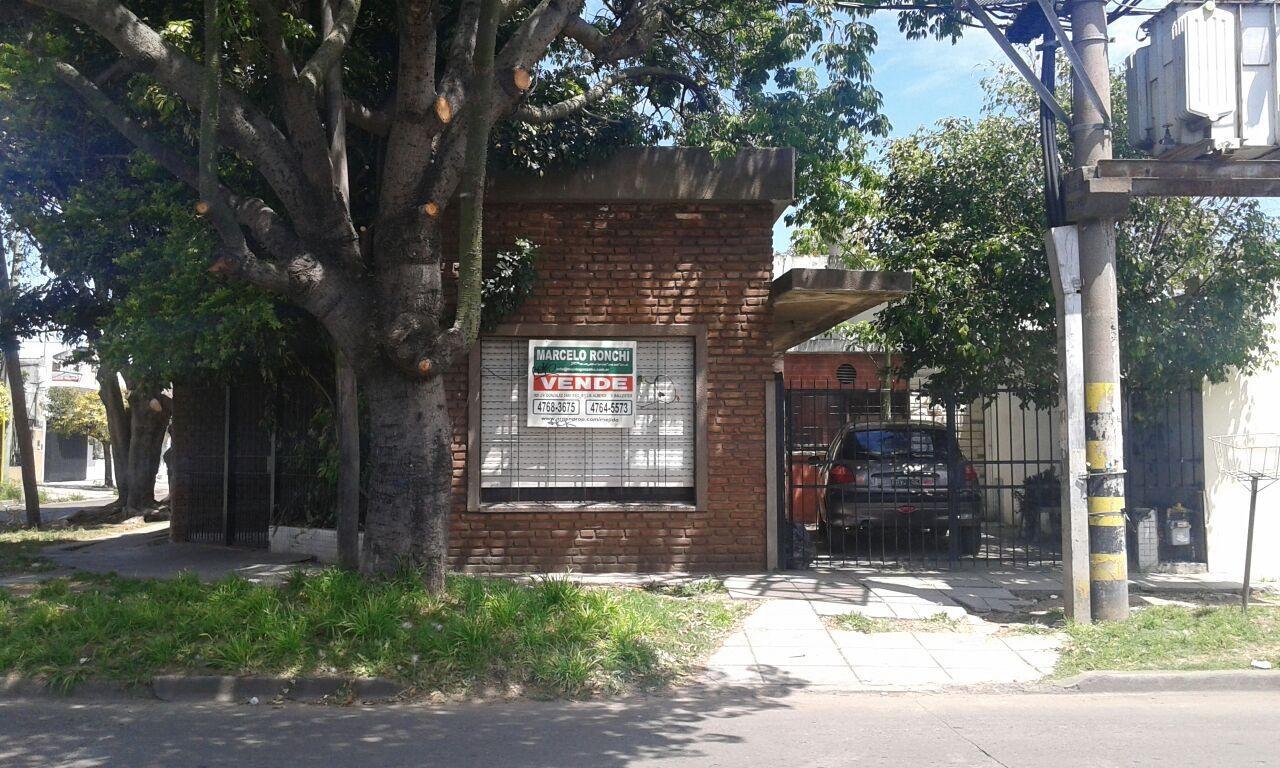 CASA DE 4 AMBIENTES EN VILLA BALLESTER