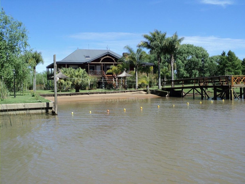 Venta de casa en Isla Rio Capitan y Pacifico