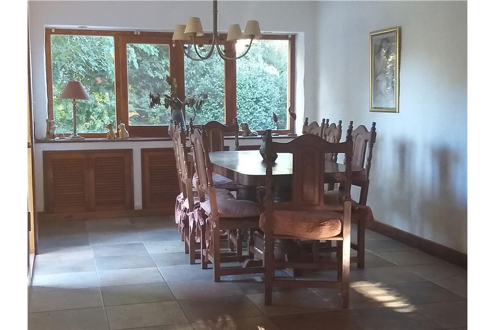 Casa en Venta - 5 ambientes - USD 258.000