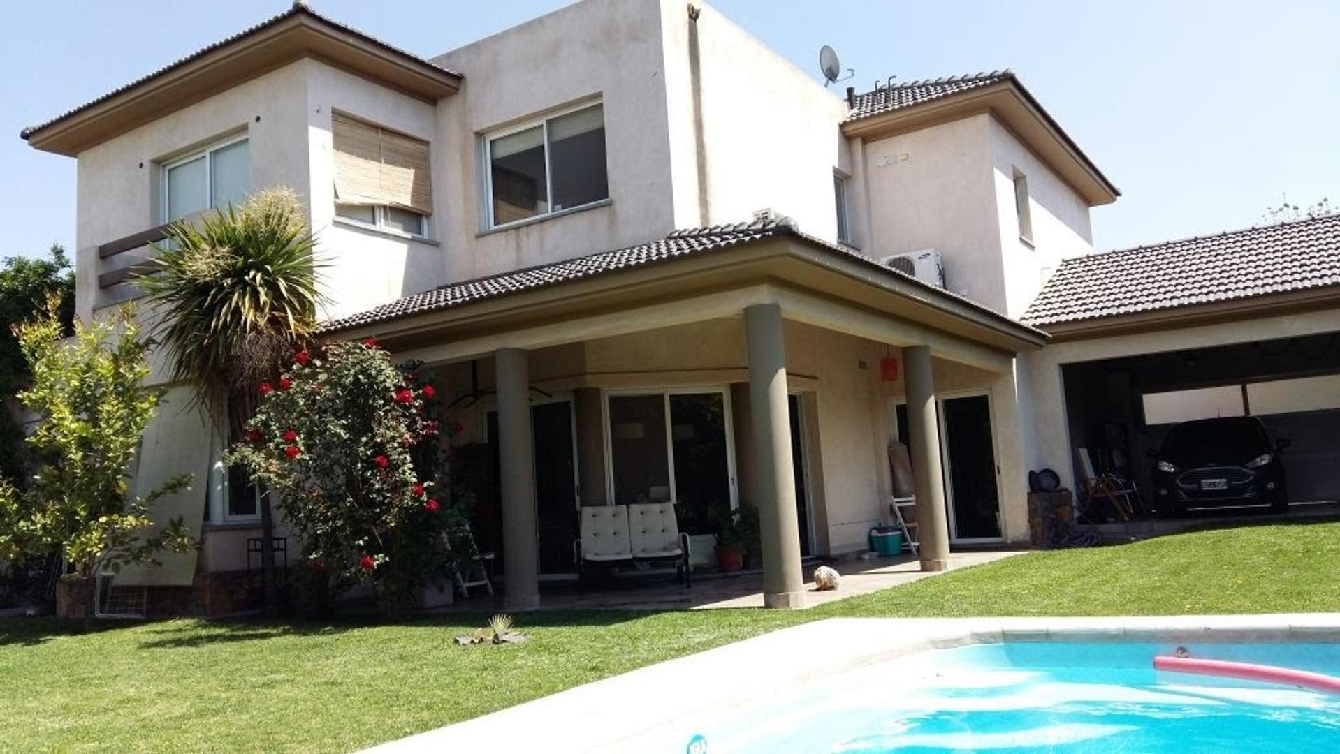Barrio Privado La Capilla Excelente Casa 2000m2 terreno y piscina- Vistalba - Mendoza-